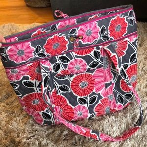 Large Vera Bradley tote NEW condition